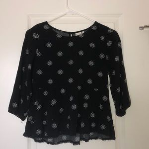Fashionable Black Blouse With White Flower Pattern